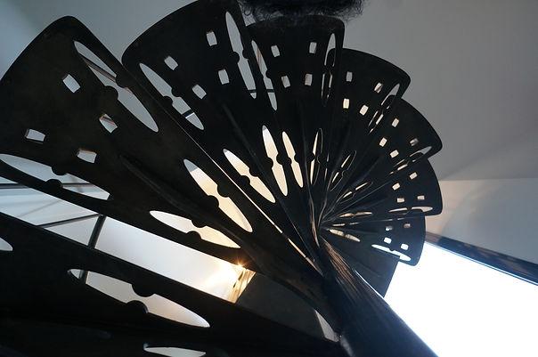 escalier colimaçon hélicoidale sur mesure métallier férronnier 94
