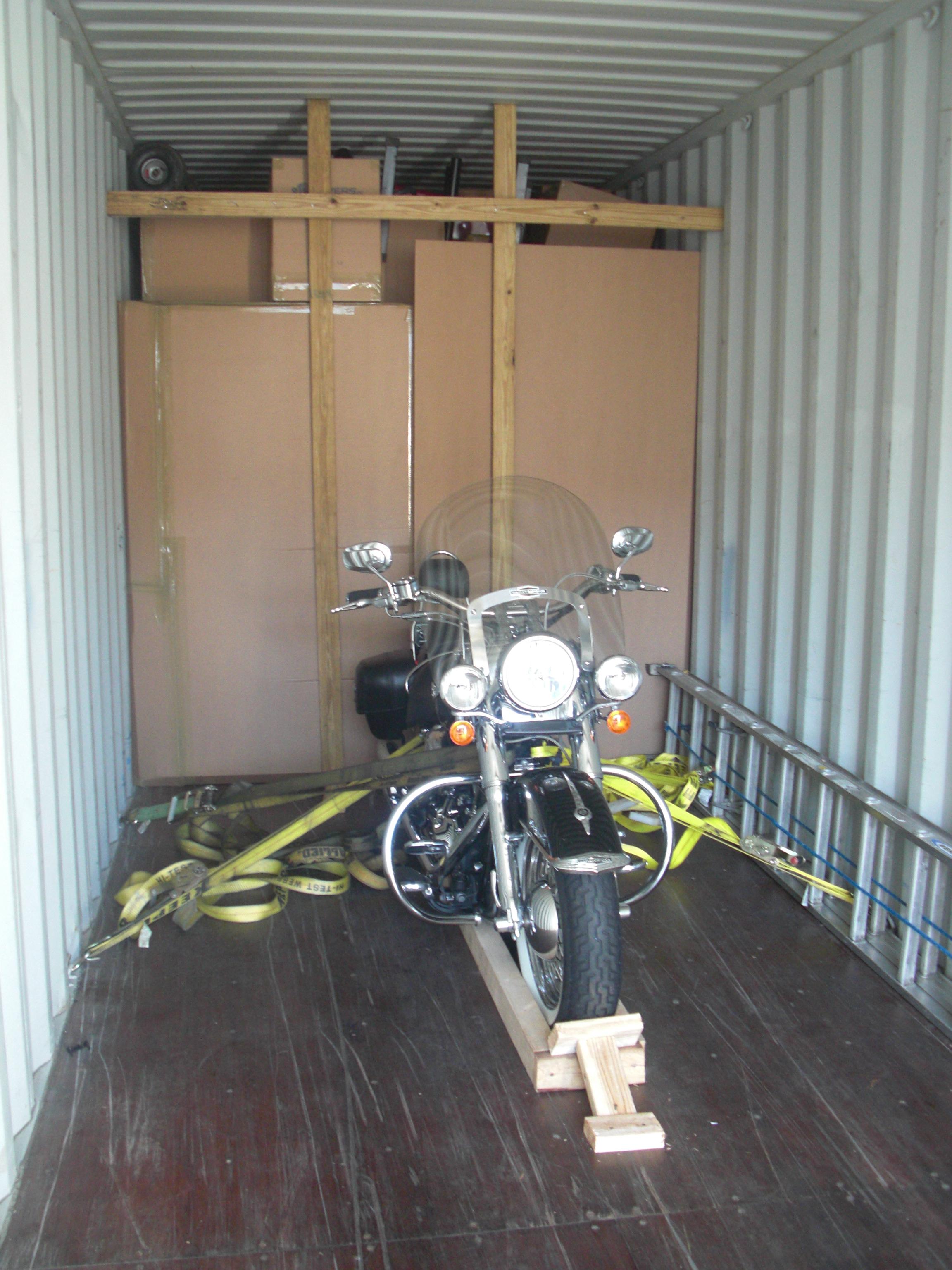 Traslado de motoras al exterior.