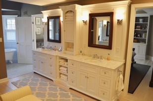 custom.designed.bathroom.jpg