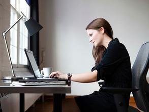 4 dicas posturais para o ambiente de trabalho