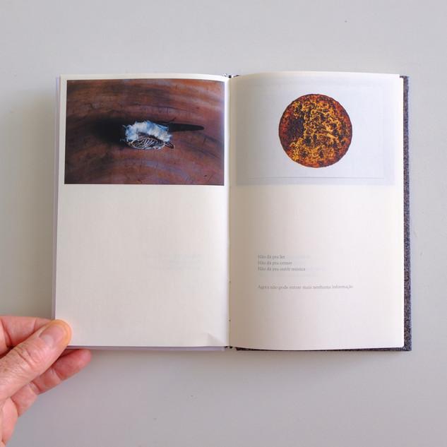 Livro das Horas - Binômios de silêncio