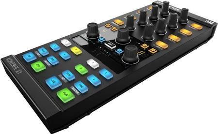 Native instruments KONTROL X1 MKII. Controladora de dj