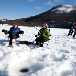 Canada-Yukon-Ice-Fishing-on-the-lake-Cre