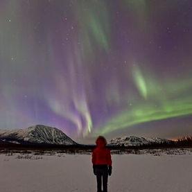 Canada-Yukon-Watching-the-northern-light