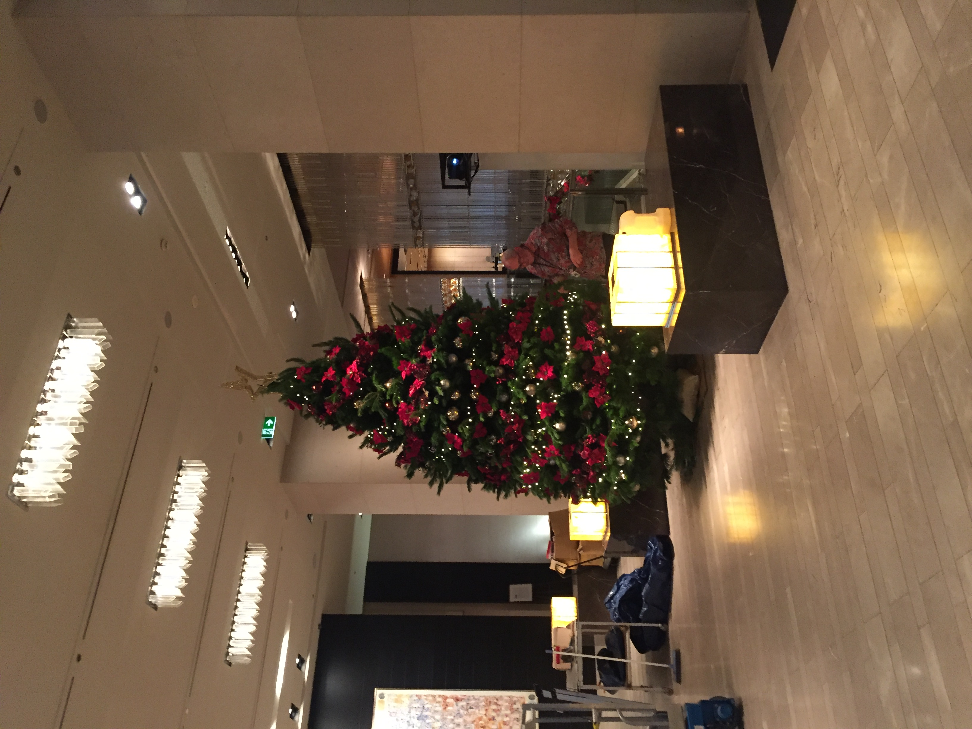 15' Deluxe Christmas Tree