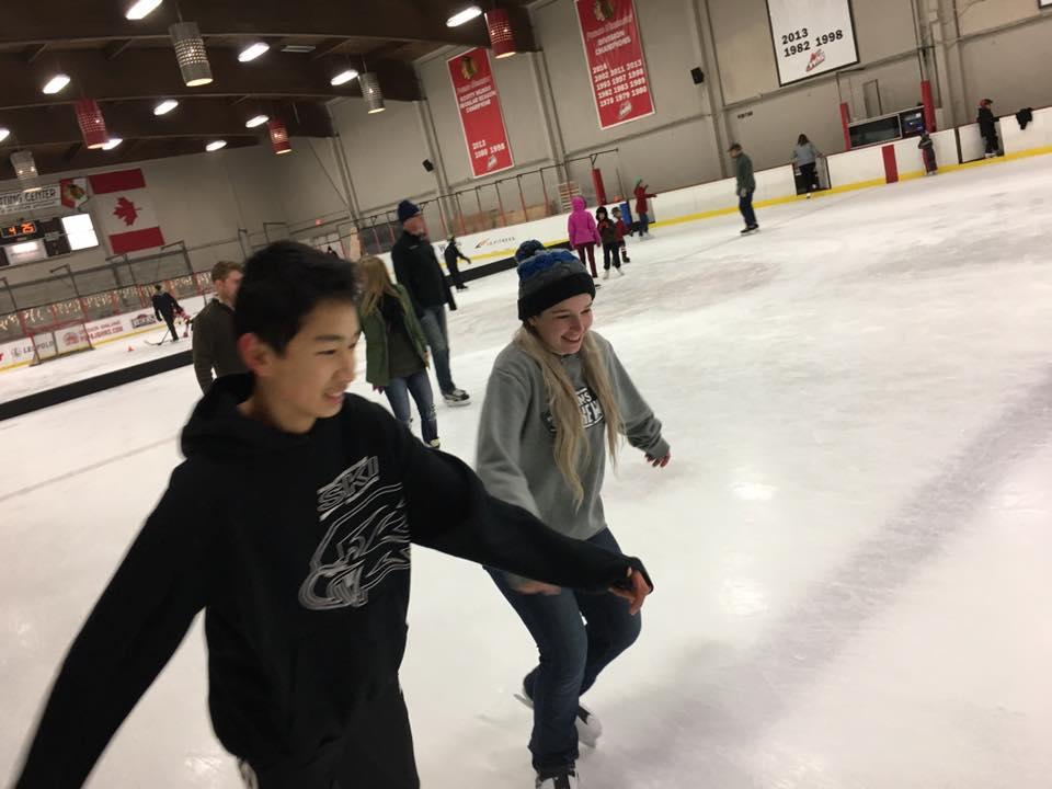 team-ice-skating-3