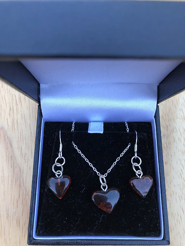Amber pendant and earrings set