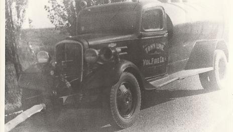03 - 1936 Chevy Tank Truck.jpg
