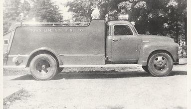 04 - 1947 Chevy Pumper.jpg