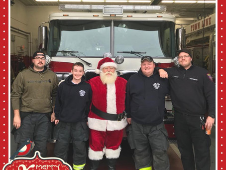 Town Line Delivers Santa to Westwood Park