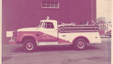 07 - 1963 Dodge Power Wagon.jpg