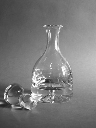 Bubble-based decanter