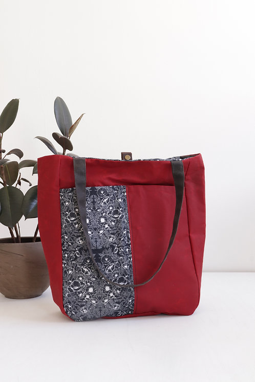 Escape Tote (Red) | B&W Poppies