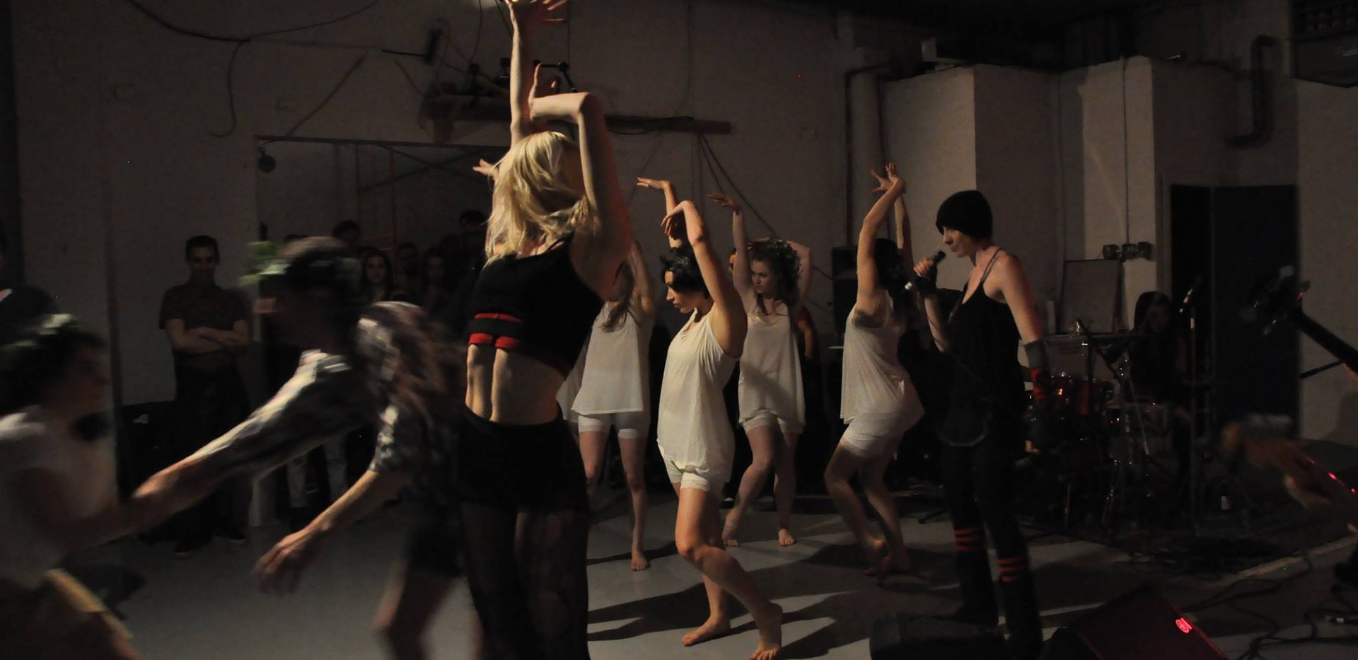 Mollie Downes, Alison Clancy and chorus of dancers in The Irresistable