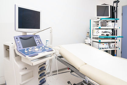Behandlungsraum Dr. Gerhard Griessmair Internist & Magen-Darm-Spezialist Telfs