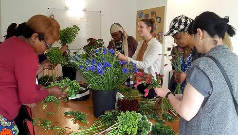 Atelier création de bouquet par l'association Du Pain & des Roses
