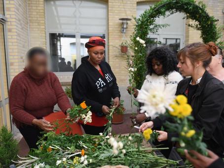 """""""Femmes migrantes : des fleurs pour panser les blessures de l'exil."""""""
