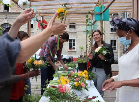 Un atelier de création florale en vidéo, retransmis par France Terre d'Asile