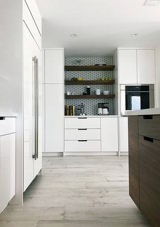 Able-and-Baker-High-Gloss-Kitchen-web.jp