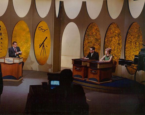 1966 Eye Guess Bill Cullen set 2.jpg