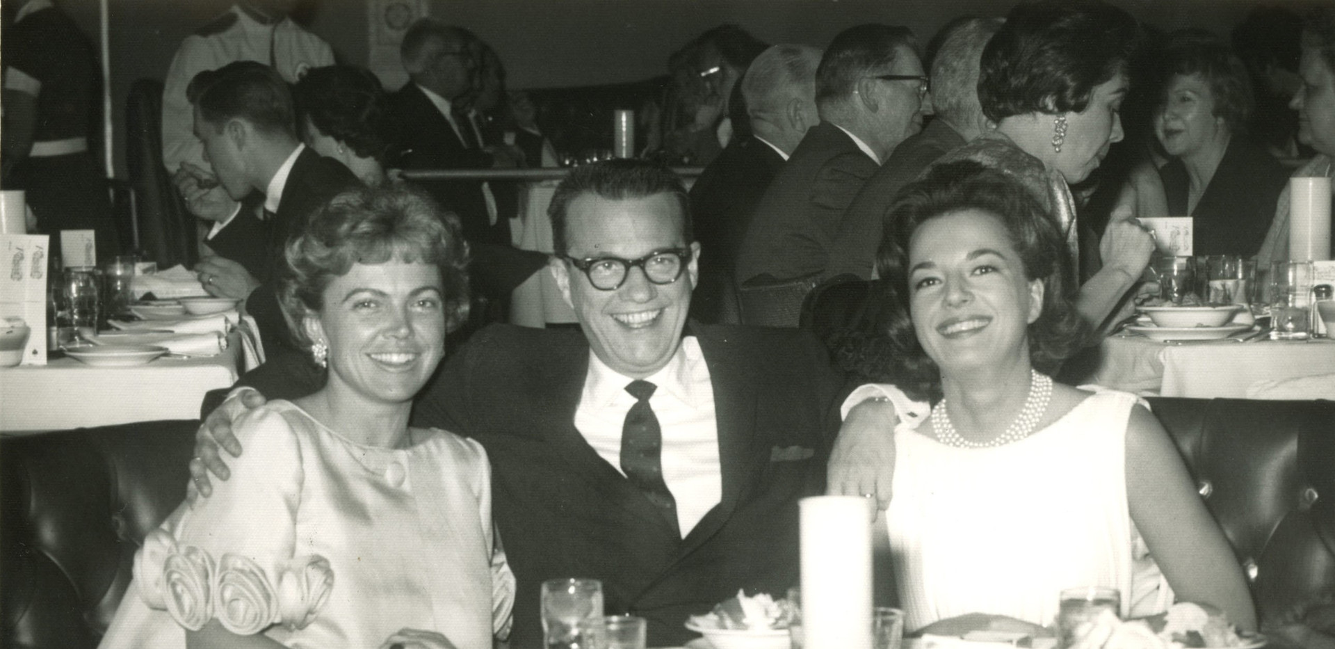 Bill with the Roemheld sisters: Ann and Mary Lou