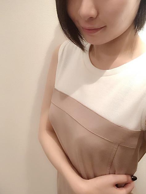 観月 さりな(26)