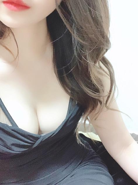 響 りほ(25)