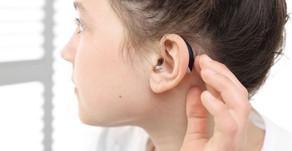 """Was ist der Unterschied zwischen """"hören"""",  """"anhören"""" und """"zuhören""""?"""