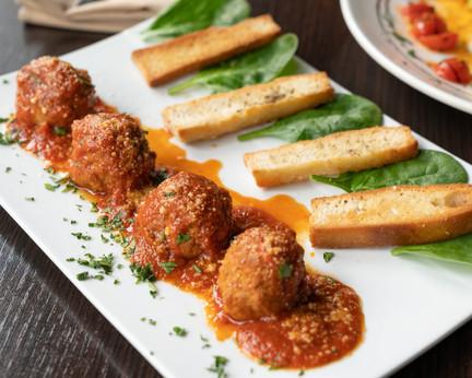 italian-meatballs-with-toast.jpg