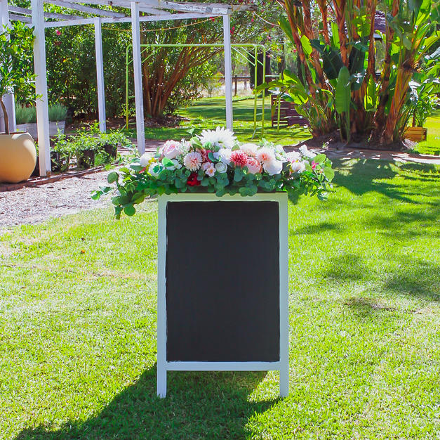Wedding Sign (without flowers)
