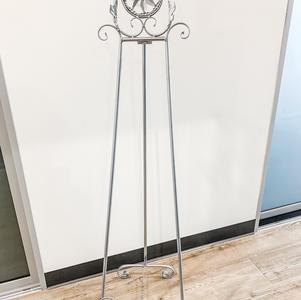 Silver Floor Length Easel
