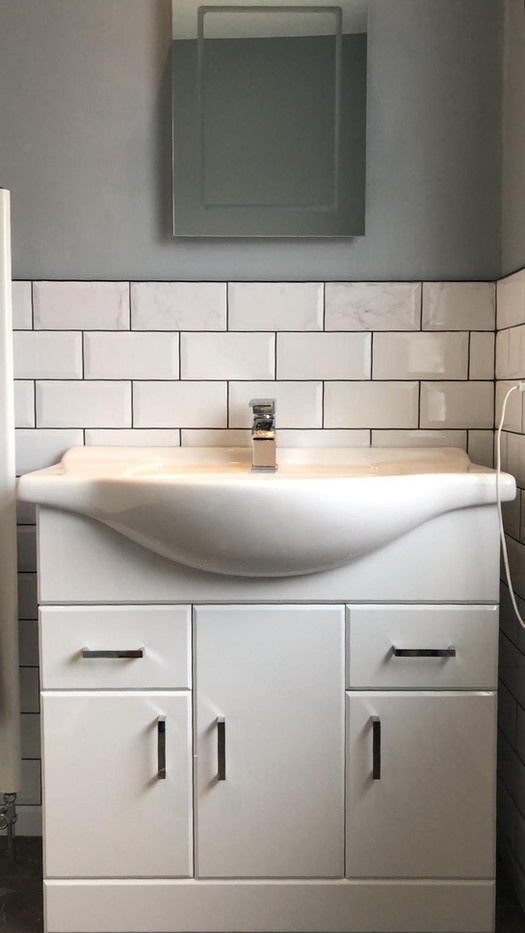 Vanity unit and sink fitting, local plumbers