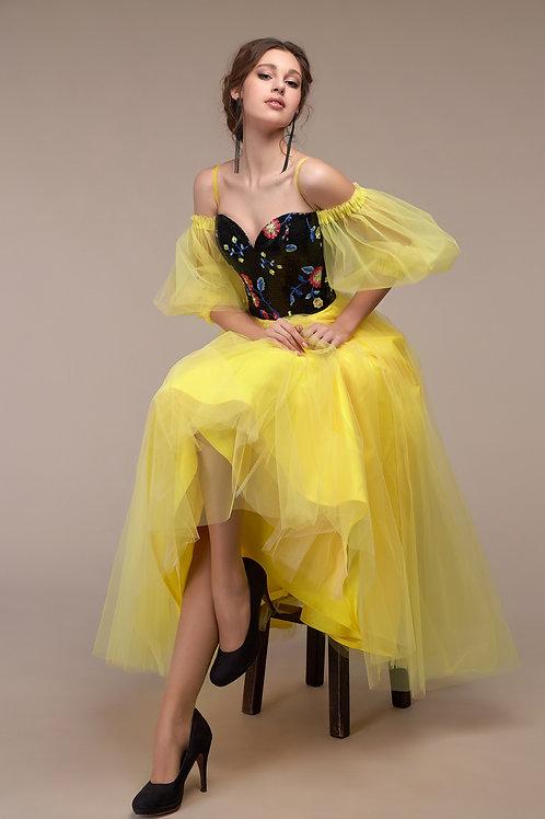 Шикарное, эффектное платье.