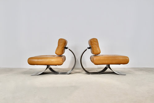 Lounge chair In the style of  Oscar Niemeyer 1970S