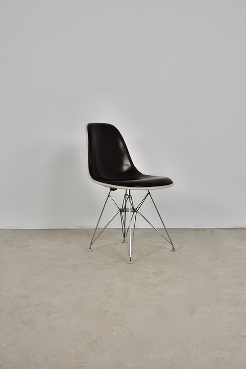 Eiffel Base Side Chair by Charles & Ray Eames for Herman Miller 1