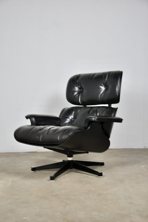 Vintage Black Lounge Chair by Charles & Ray Eames for Herman Miller