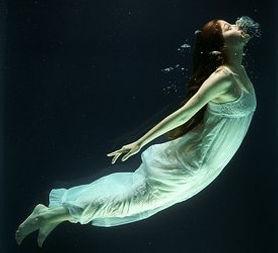 under-water-1819586__340_edited.jpg