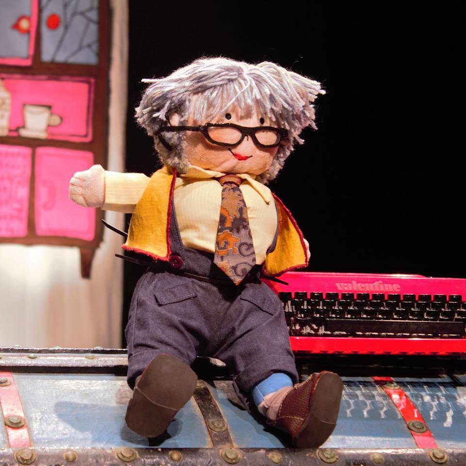 Teatro: ¿quién en Gloria Fuertes? Clic para descargar dossier informativo