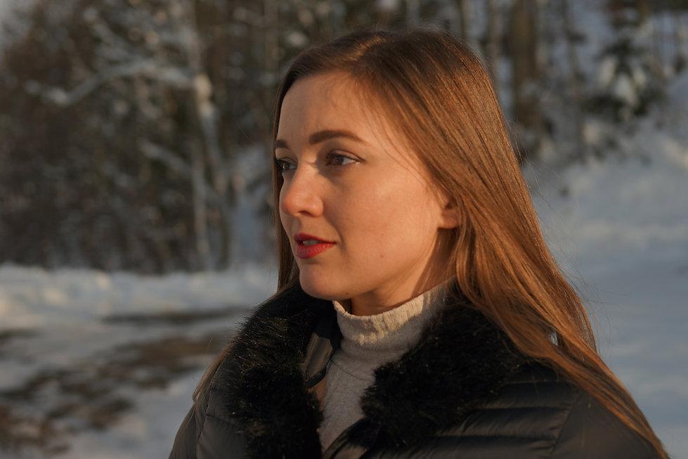 Elena Kallisté dans L'Entre Vous par Thé