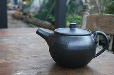 black matt teapot.jpeg