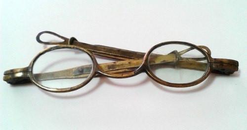 oculos-antigos-haste-extensora-em-metal-