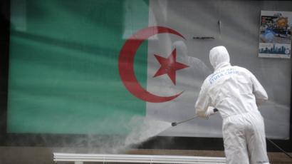 الجزائر : اكتشاف 45 جديدة و20 حالة وفاة
