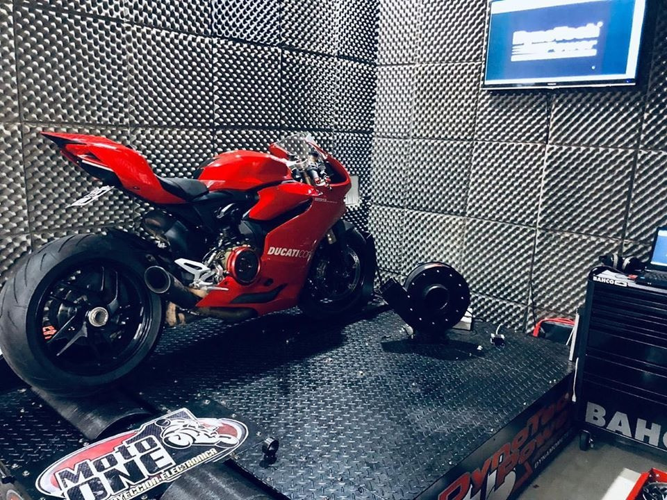 Cabina insonorizada + Banco de potencia Moto