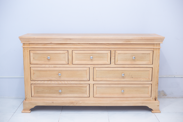 7 Drawer Chest.png