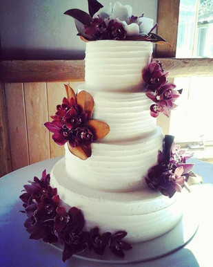 magnolia wedding cake.jpg