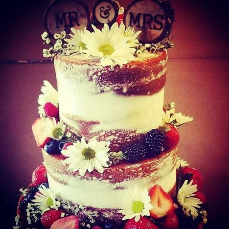 #nakedcake #weddingcake #customcake #fre