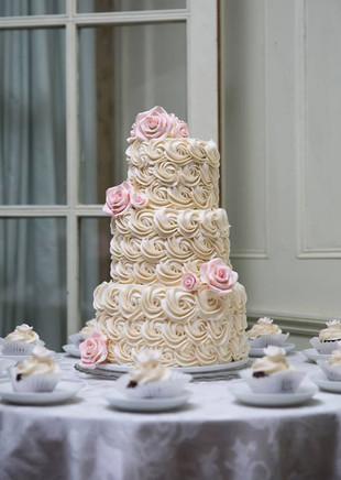 rosettes wedding cake.jpg