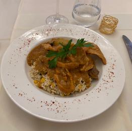 Nice Dakar, mafé poulet & sauce beurre de cacahuète