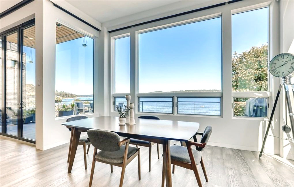 Sandpoint, Seattle Dining Room