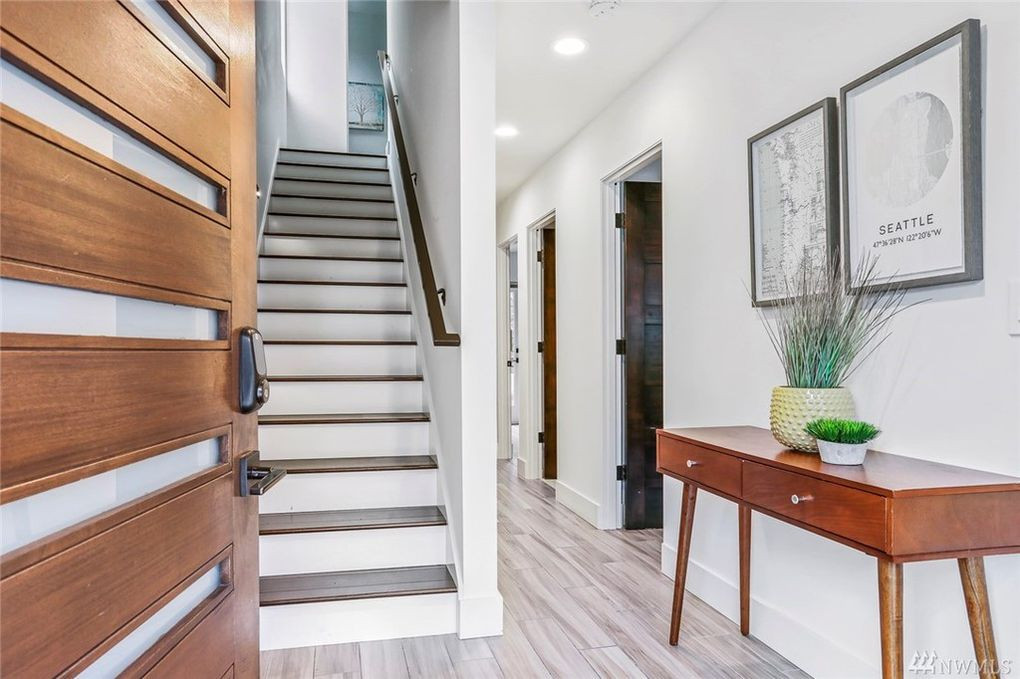 Queen Anne Townhome